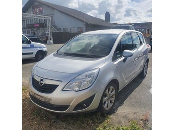 Opel Meriva - automobil