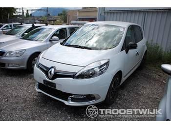Renault Scenic - automobil