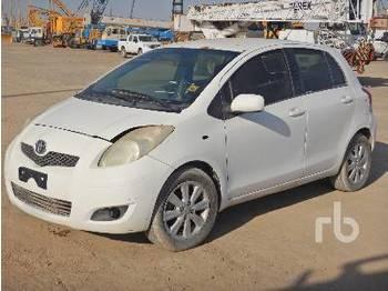 TOYOTA YARIS - automobil