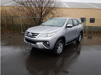 Automobil Toyota Fortuner TD2.4 AT