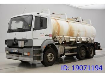 Cisterna Mercedes-Benz Atego 2533 - 6x2