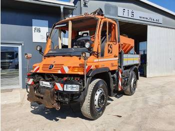 Самосвал камион Mercedes Benz UNIMOG U400 4X4 salt machine - dam. cab