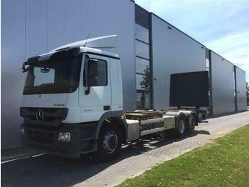 Mercedes-Benz ACTROS 2532 6X2 BDF EURO 5  - transporter kontejnera/ kamion s izmjenjivim sanducima