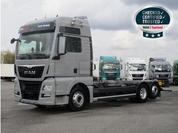 MAN TGX 26.480 6X2-2 LL (XXL,E6,Intarder,Navi) - транспортер на контејнер/ камион со променливо тело