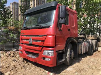 SINOTRUK HOWO TRUCK - камион влекач