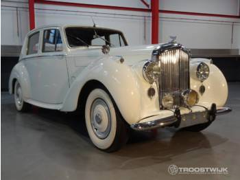 Bentley R-type Saloon - lengvasis automobilis