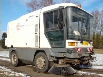 RAVO 560 5002-60 with 3rd brush, low hours - tänavapuhastusmasin