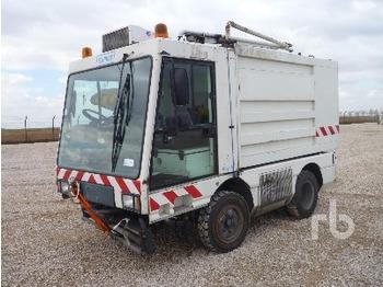Schmidt J4W1A - tänavapuhastusmasin