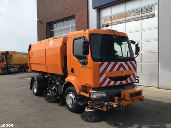 Renault Midlum Scareb Major 6,5 m3 with 3-rd brush - sklizňový vůz