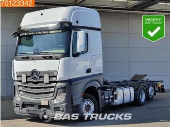 Containerwagen/ Wechselfahrgestell LKW Mercedes-Benz Actros 2542 6X2 Retarder Liftachse Standklima ACC 2x Tank Euro 6