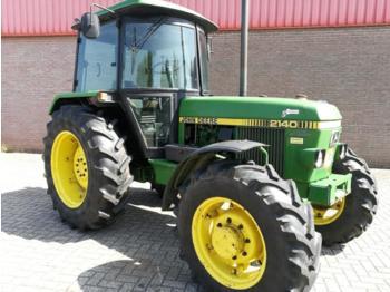 Landbouw tractor John Deere 2140