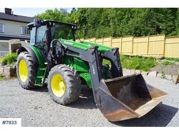 John Deere 6110MC med plog - landbouw tractor