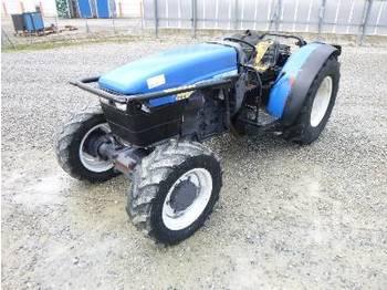Landbouw tractor NEW HOLLAND TNF75DT