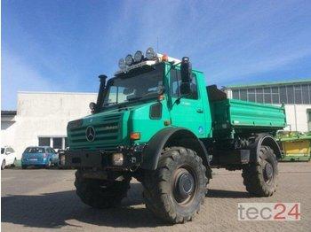 Mercedes-Benz Unimog U 5000 - jordbrukstraktor