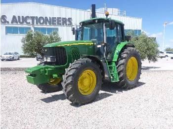 Radtraktor JOHN DEERE 6820