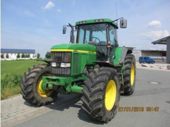 Radtraktor John Deere 7710