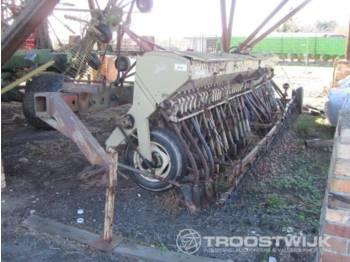 Technik für Bodenbearbeitung VEB A202: das Bild 1