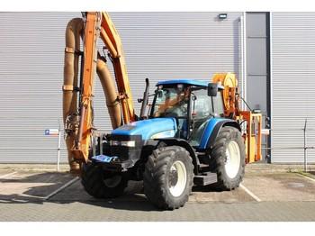New Holland TM155 met Mulag Gödde GZA 850S maaiarm / Ausleger - riteņu traktors