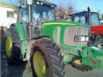 Tracteur agricole JONH DEERE 6820