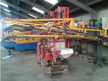 AGRIFAC DRIEPUNTS SPUIT 800 L / 18 MTR - spërkatës i montuar në traktor
