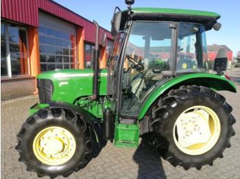 John Deere 5055E - traktor me goma