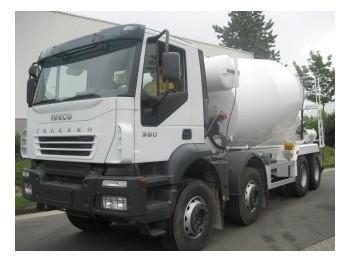 Iveco EUROTRAKKER 38.340  8X4 - përzierës betoni