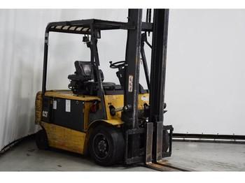 Caterpillar EP35KPAC - 4-kolesový vysokozdvižný vozík