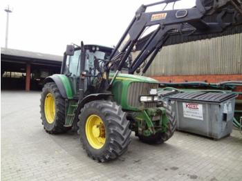 Tractor agricola John Deere 6820