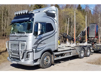 Transporte de madera VOLVO FH 540