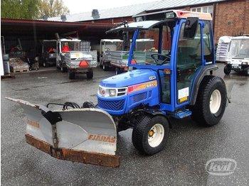 Iseki TH4330FH/TH4 Kompakttraktor med vikplog och sandspridare  - ciągnik rolniczy