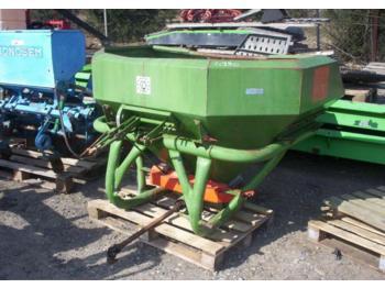 AMAZONE 600 - maszyna do nawożenia