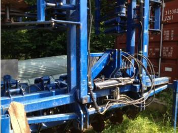 Köckerling Schlitzgerät 12x45 - maszyna do nawożenia
