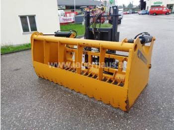 MAMMUT SC 220 M - maszyna do produkcji kiszonki