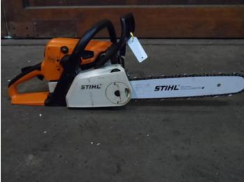 STIHL MS210C-BE KETTINGZAAG - maszyna ogrodnicza