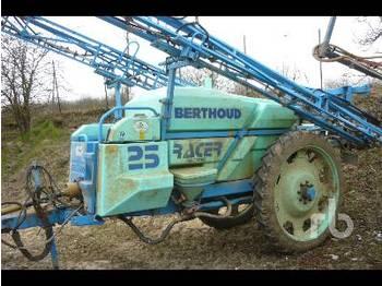 Berthoud RACER 2500 - opryskiwacz przyczepiany