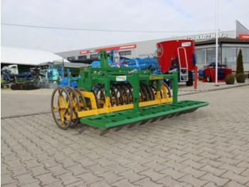 Kerner Kerner Frontpacker mit Messervoregge 2,5m - wał rolniczy