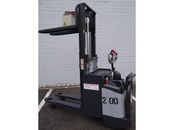 crown wd2330s initialhub neue batterie stacker from germany for sale at truck1 id 1354182. Black Bedroom Furniture Sets. Home Design Ideas