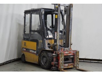 Caterpillar EP30KPAC - 4-wheel front forklift