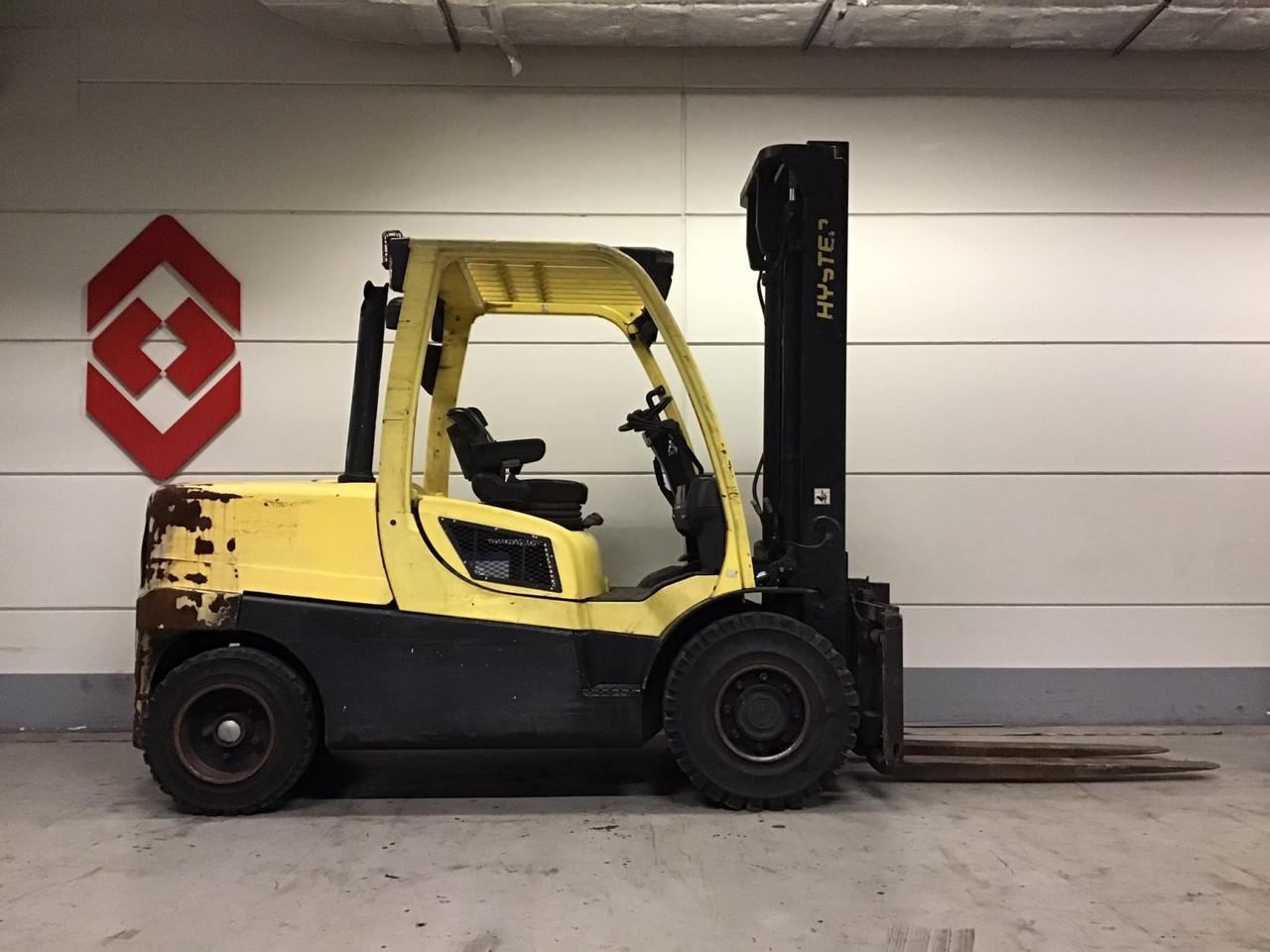 4-wheel front forklift HYSTER H4.5FT