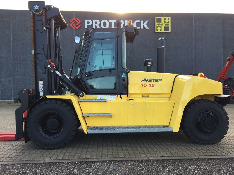 4-wheel front forklift Hyster H16XM-12 - Tier III
