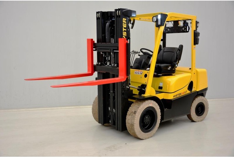 """4-wheel front forklift Hyster """"NEW"""" H3.0XT"""