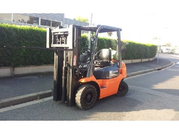 Toyota 7FGF20 - 4-wheel front forklift