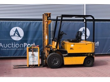 4-wheel front forklift Yale EFG725PE: picture 1