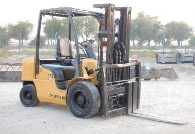 CATERPILLAR DP30NT 3 Ton forklift from United Arab Emirates