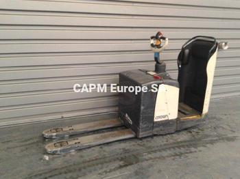 Pallet truck Crown WP2340S