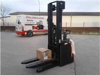 BT Staxio SPE140 - stacker