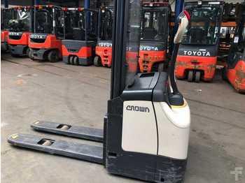 معدات تكديس Crown ES 4000 (SALE!)
