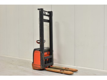 LINDE L 10 - stacker