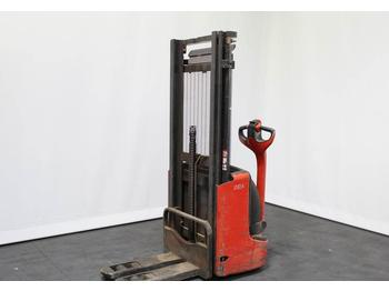 Linde L 12 1172  - stacker