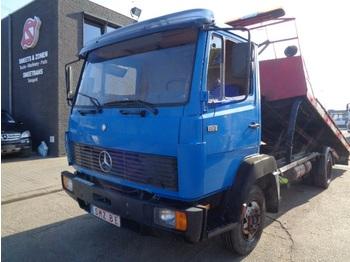 Remorqueuse Mercedes-Benz 814